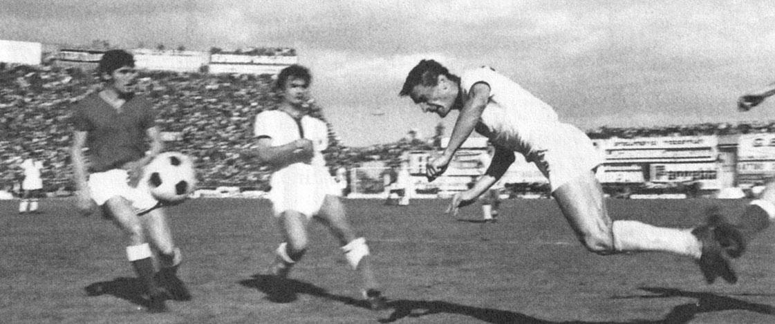 il gol di testa di Riva contro il Bari